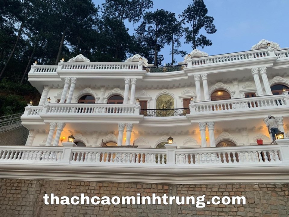 Cột thạch cao minh trung